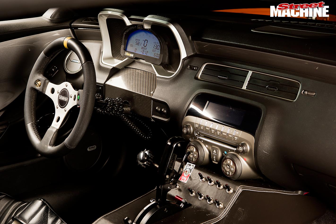 Chevrolet -camaro -interior -front -2