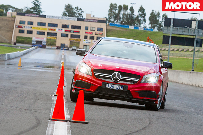 Mercedes -Benz -A45-AMG-Slalom _end
