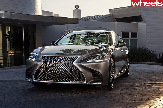 2018-Lexus -LS-500-at -Detroit -Auto -Show
