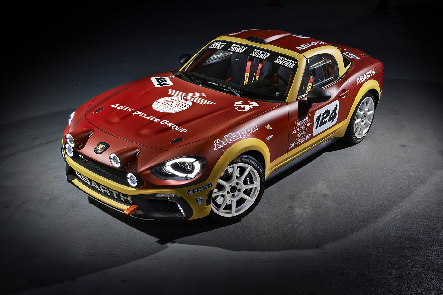 Abarth 124 Spider Rally front
