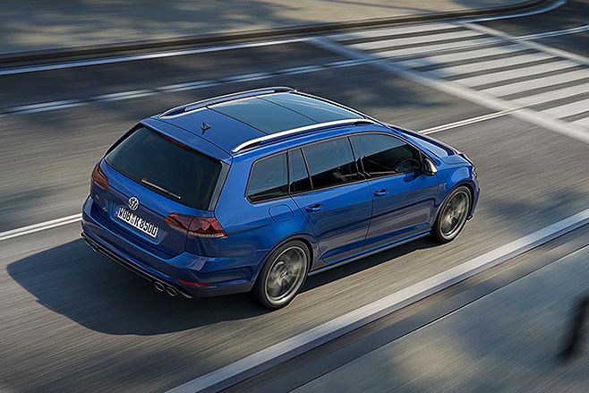2017-Volkswagen -Golf -R-rear
