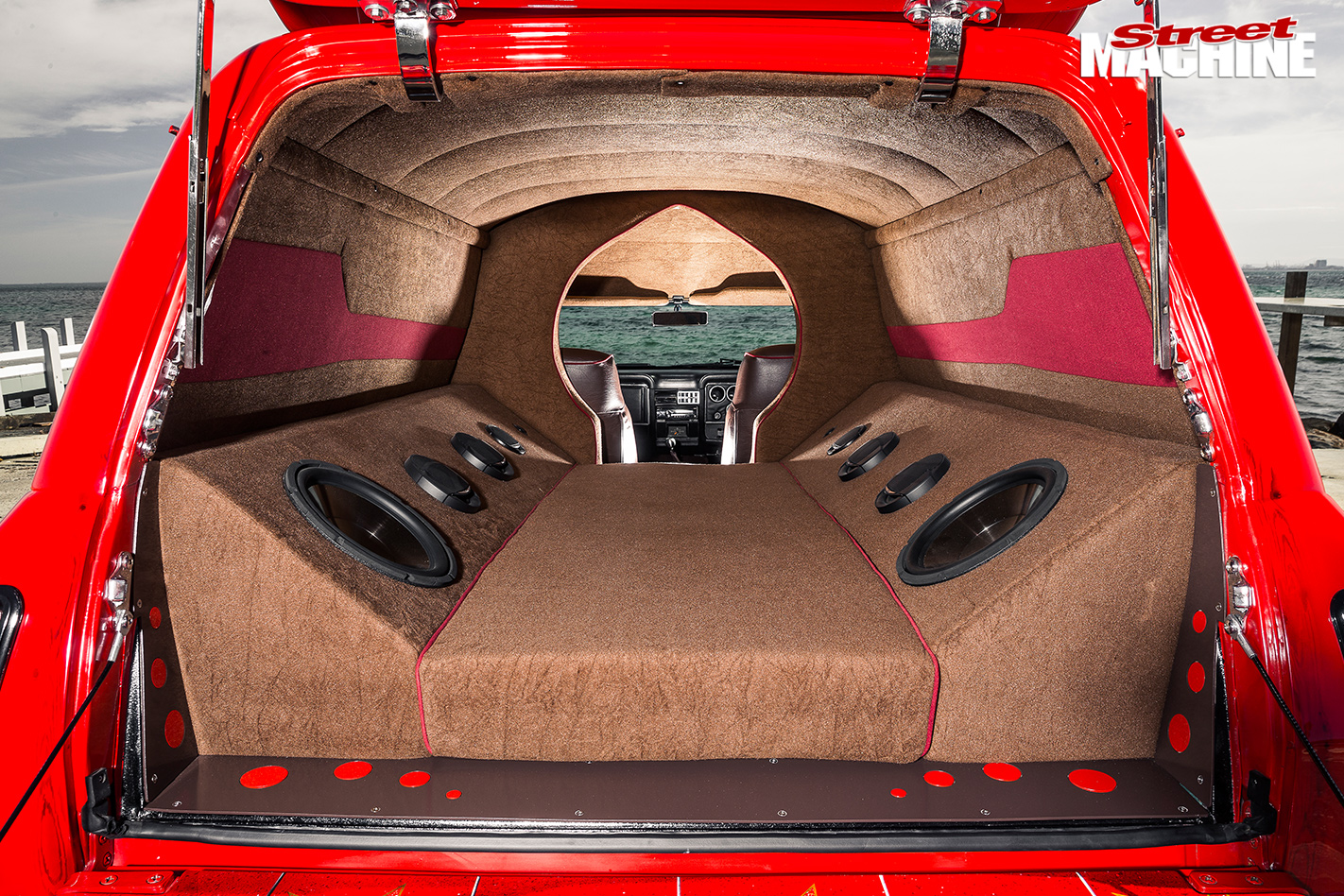 Ford -XC-wagon -jaffa -rear -inside