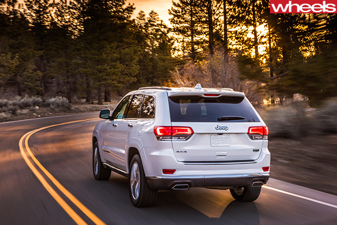2016-Jeep -Grand -Cherokee -rear -driving