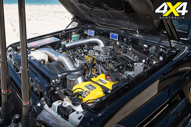 Custom -Toyota -Land Cruiser -VDJ76R-engine