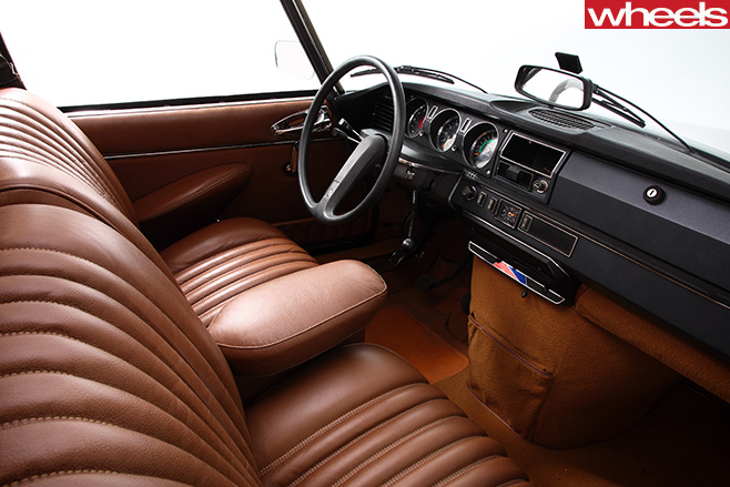 1955-Citroen -DS-interior