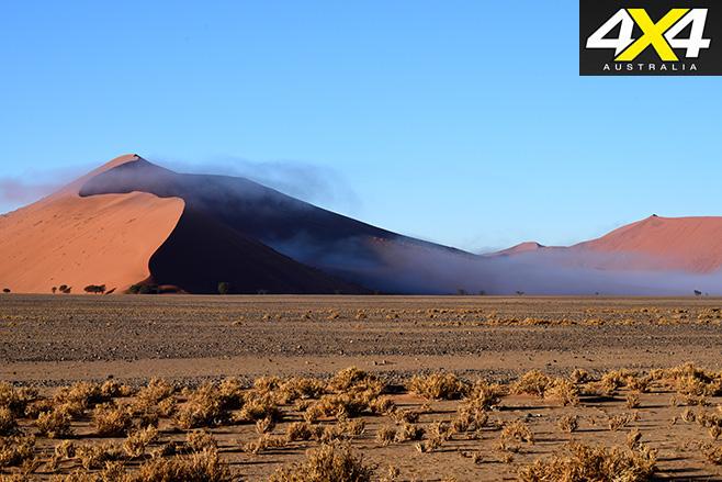 Sossusvlei -Dunes -&-cloud