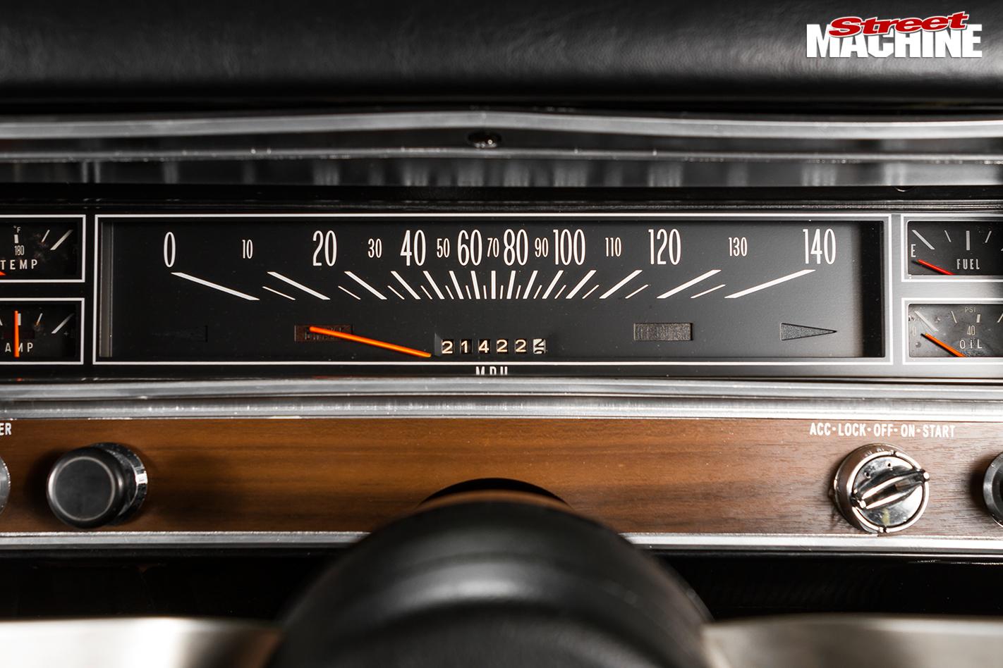 Holden -hk -monaro -speedo