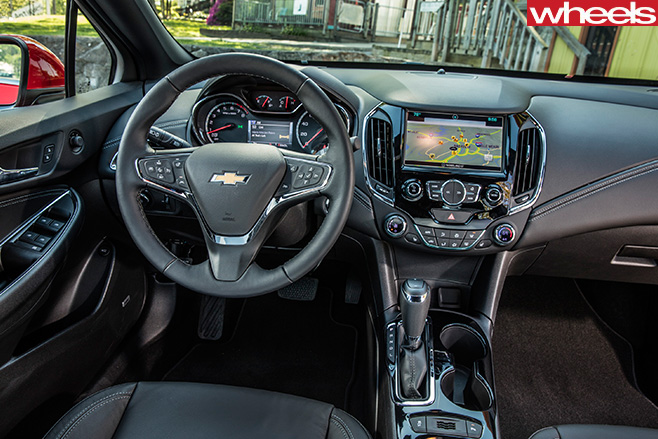 2016-Holden -Cruze -interior