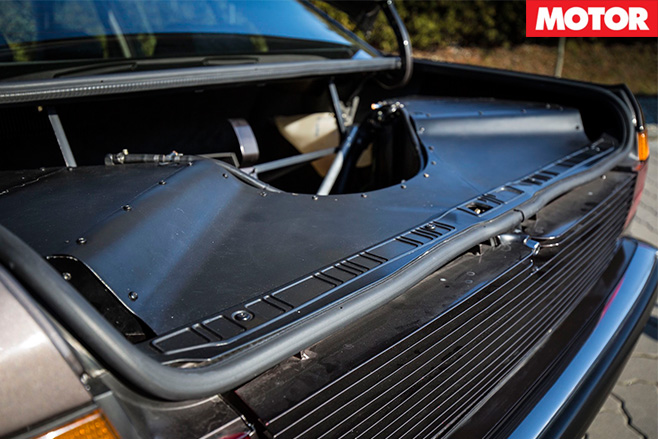 BMW 7 Series V16 manual boot