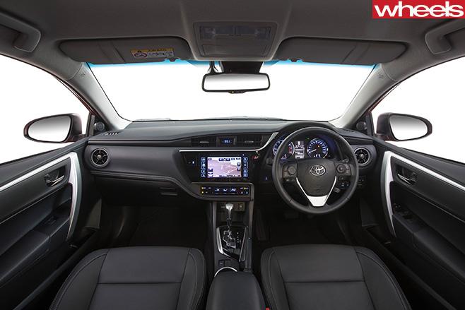 2017-Toyota -Corolla -interior
