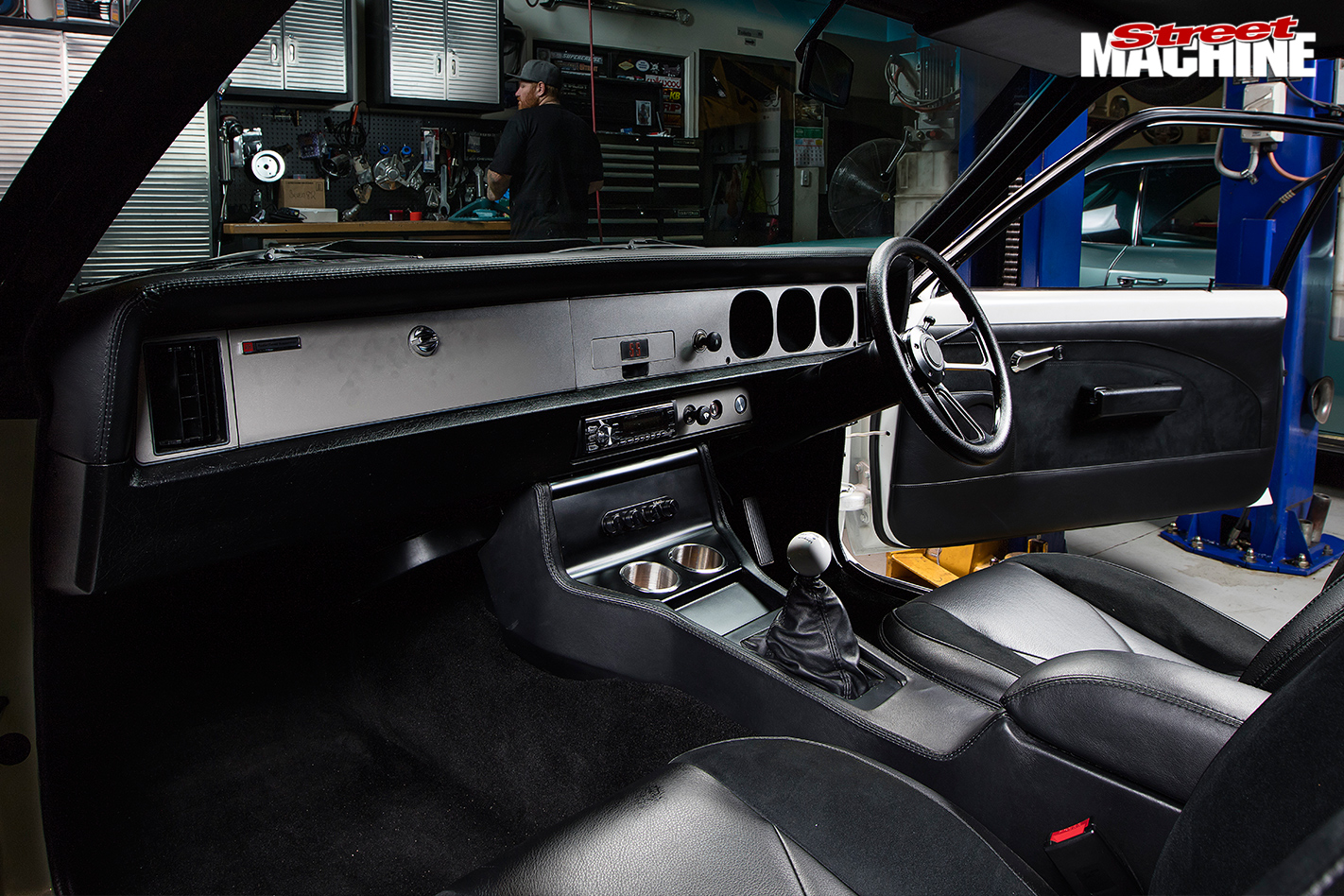 Holden -lx -torana -ss -hatch -interior -2
