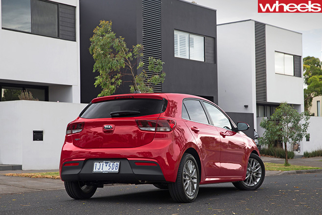 2017-Kia -Rio -red -rear