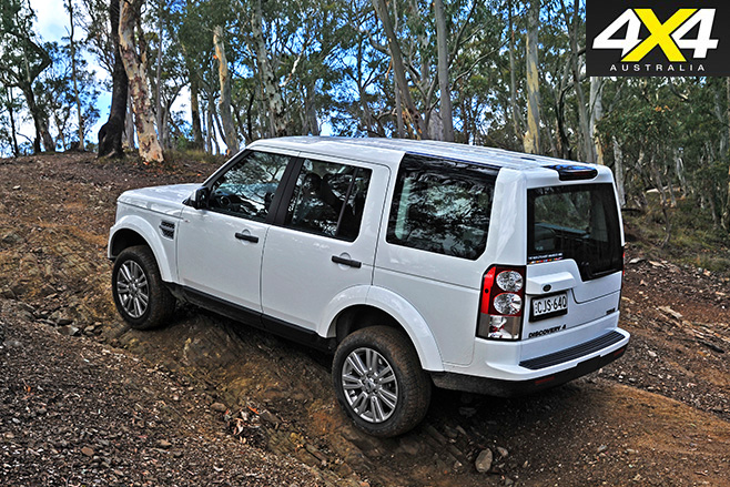Land -Rover -Discovery -rear