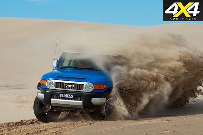FJ-Cruiser -driving -sand