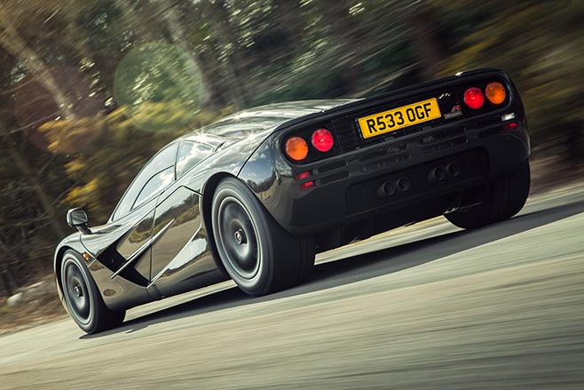 658-Mc Laren +F1-rolling _rear