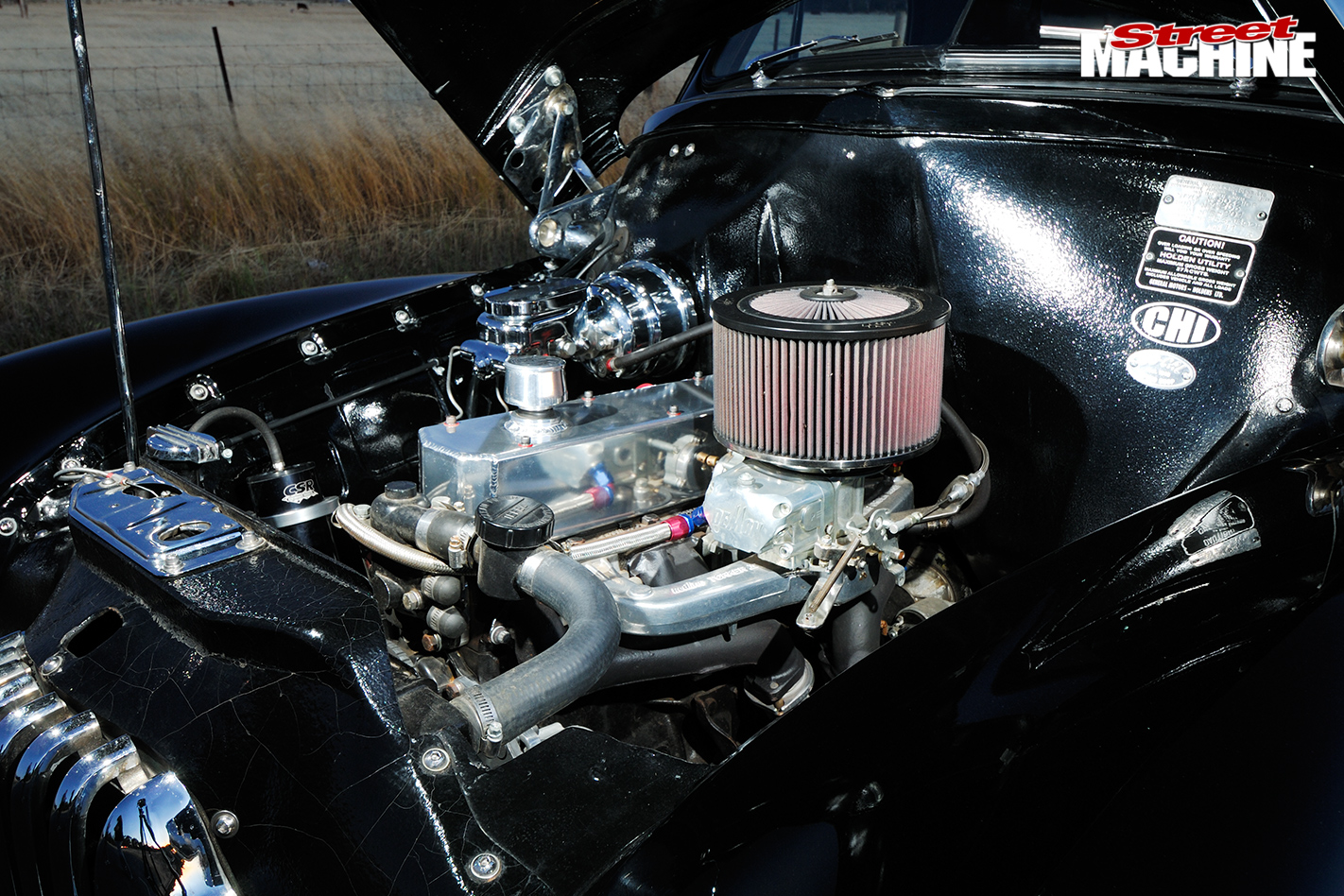 Holden -fx -ute -engine -bay -2