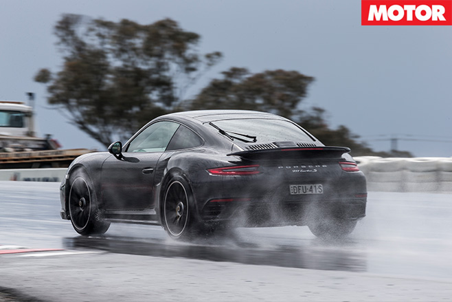 Porsche 911 Turbo S rear -driving