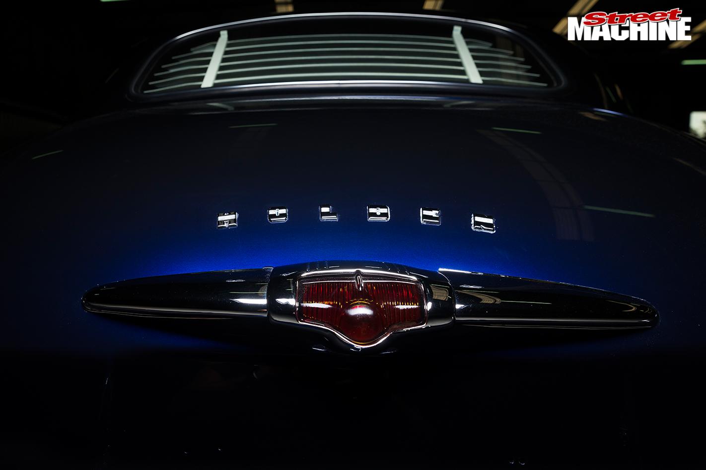 Holden -fx -sedan -rear -badge