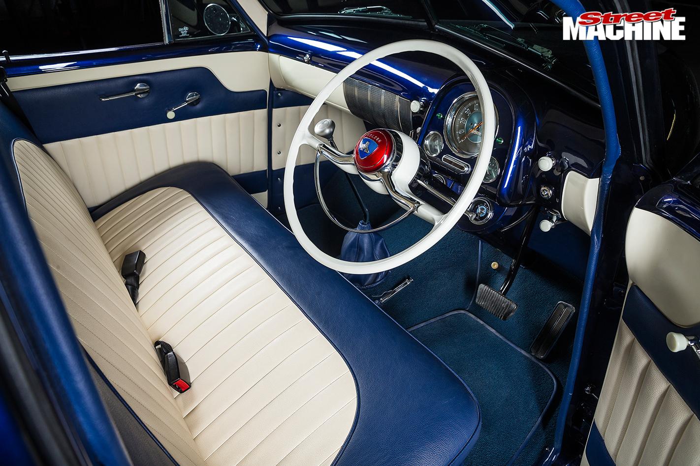 Holden -fx -sedan -interior -front