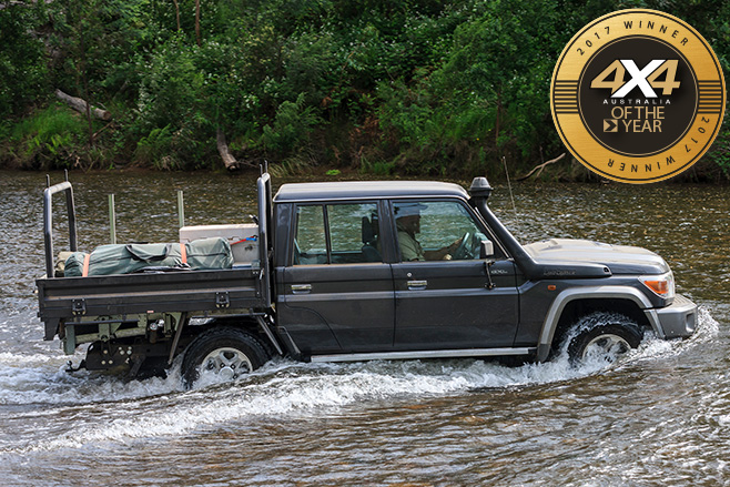 Toyota -Landcruiser -79-dual -cab -ute -water -crossing