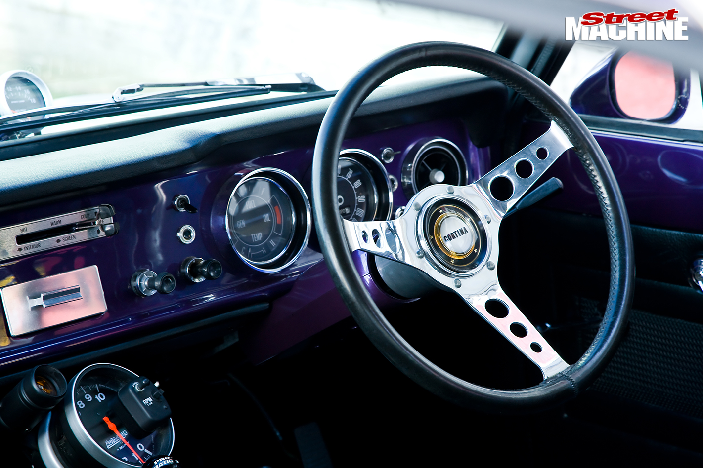 Ford -cortina -dash -2