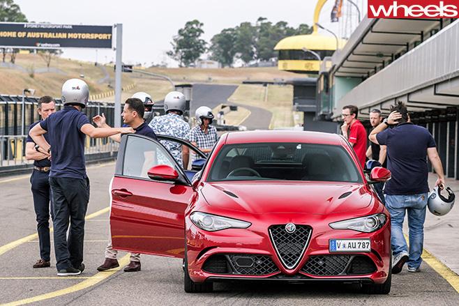 2017-Alfa -Romeo -Giulia -Quadrifoglio -front