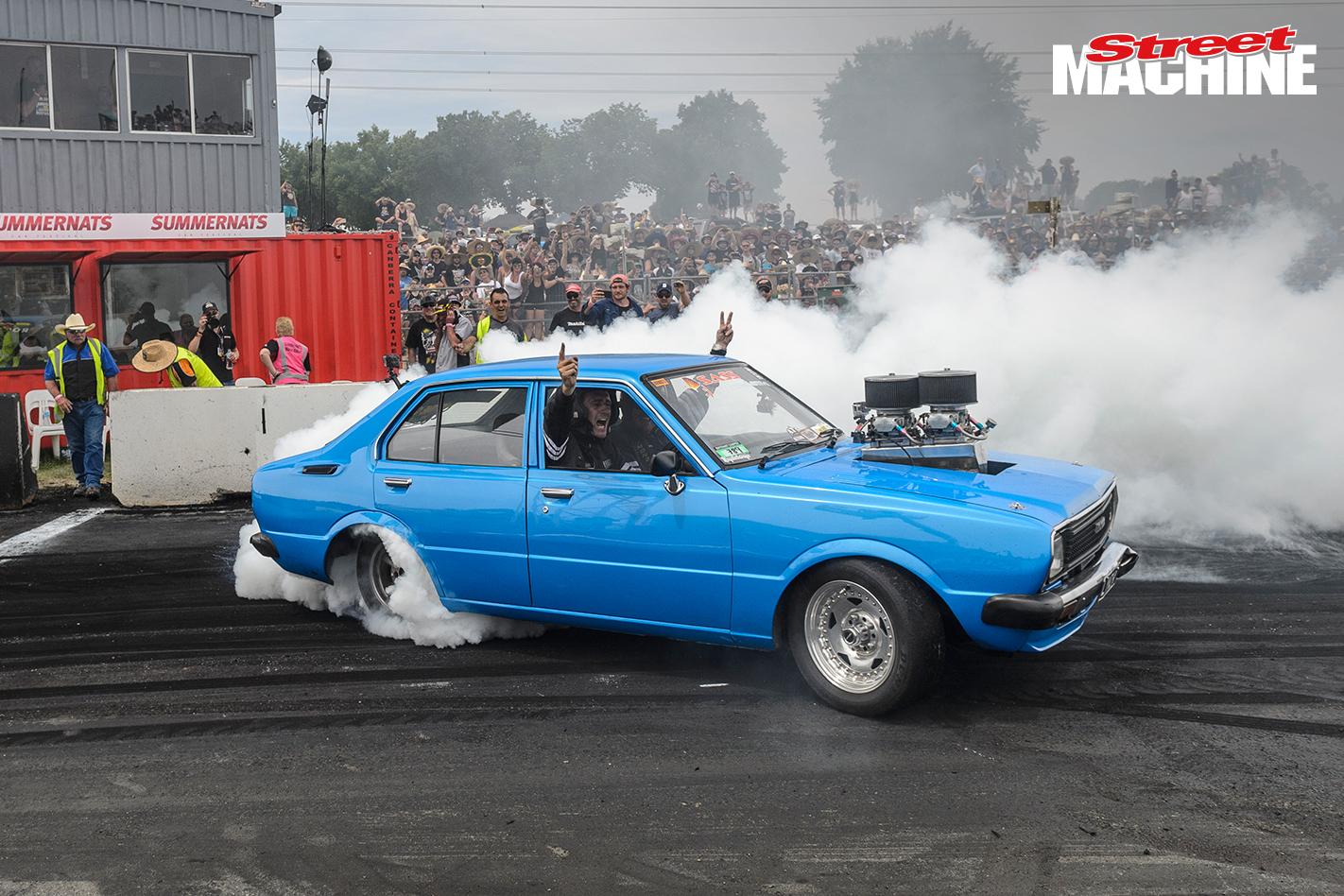 Toyota Corolla V8 Burnout LYNCHY