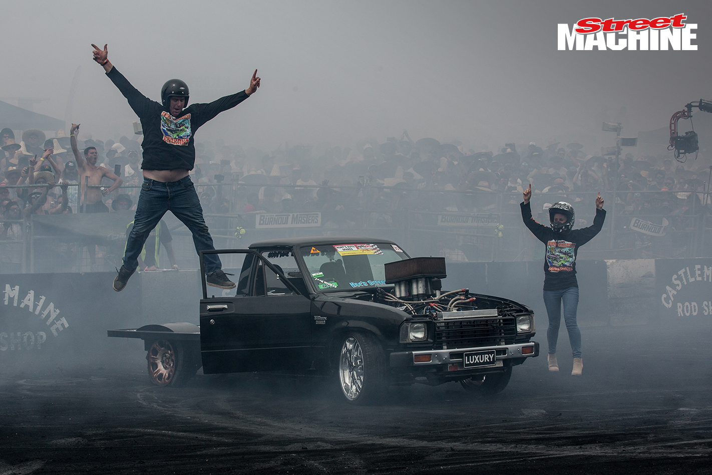 Toyota Hilux Summernats Burnout
