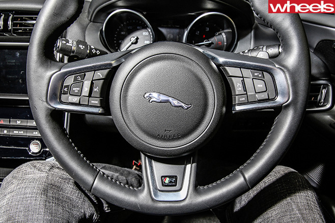 Jaguar -XE-steering -wheel
