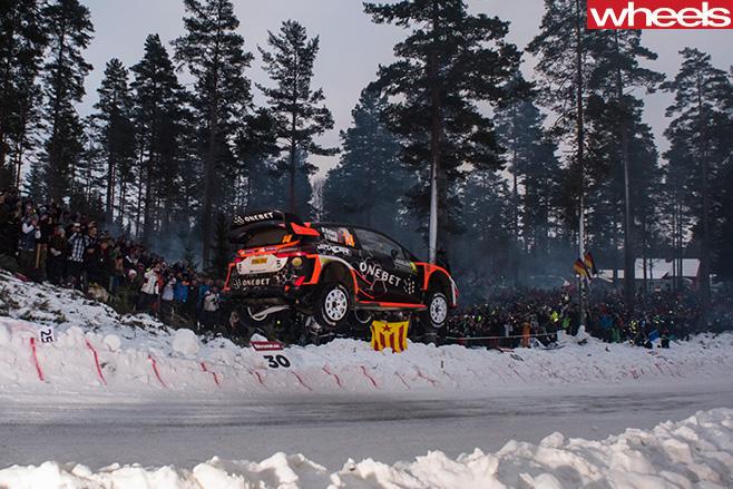 Citroen -C3-rally -jump