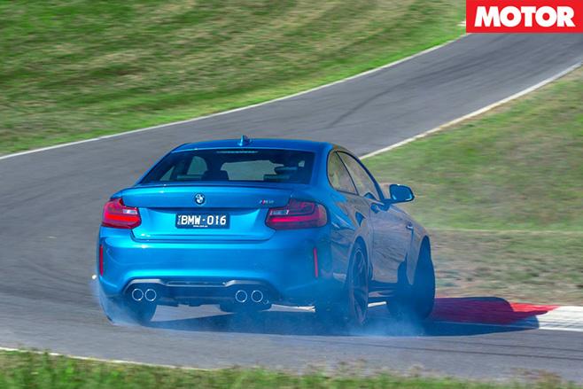 BMW M2 rear -driving