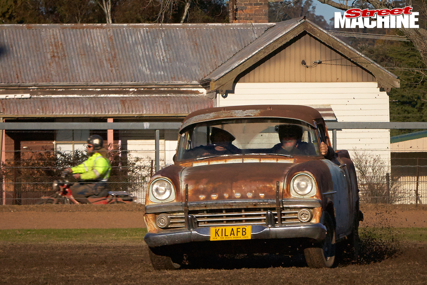 Uralla -Dust -Up -2016-caption -7