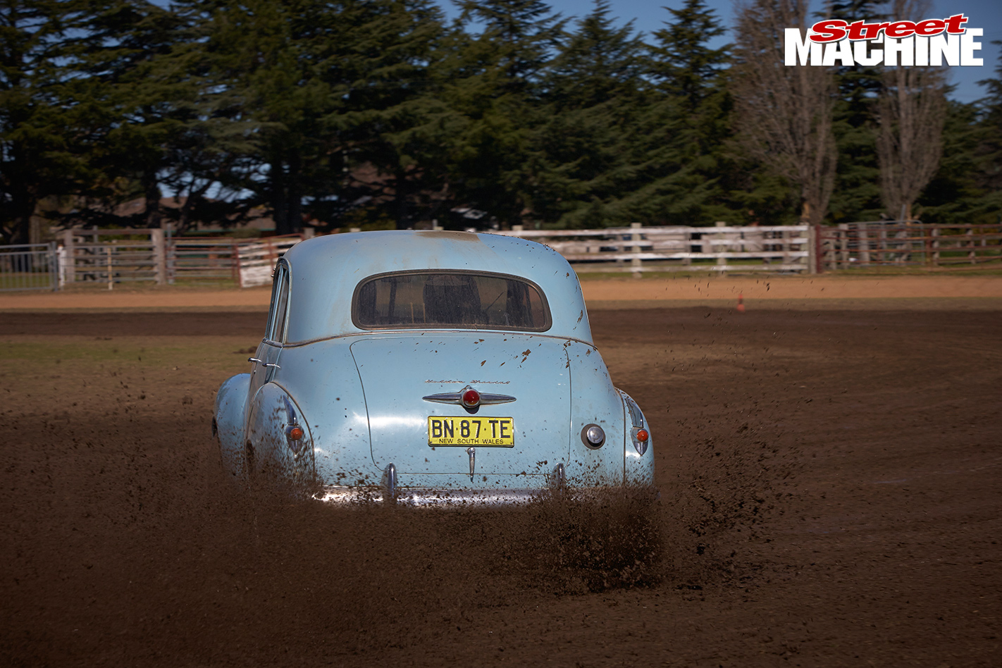 Uralla -Dust -Up -2016-caption -9