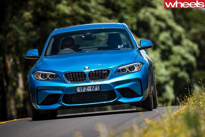 BMW-M2-driving