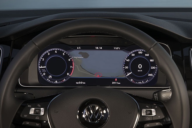 2017-volkswagen -golf -7-5-interior -dash