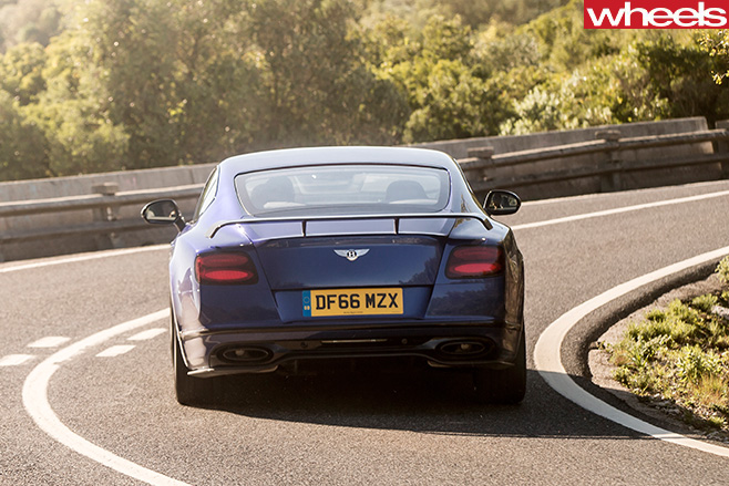 2017-Bentley -Continental -GT-Speed -rear -tailpipe