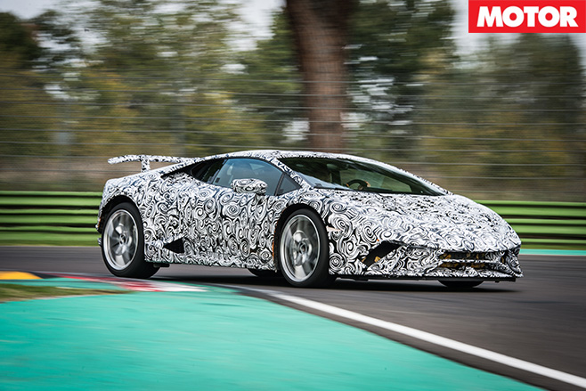 Lamborghini -Huracan -Performante -driving