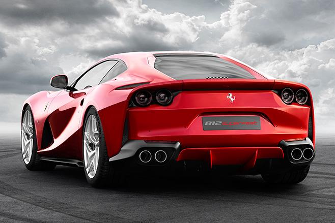 658_2017_Ferrari _812_Superfast _rear