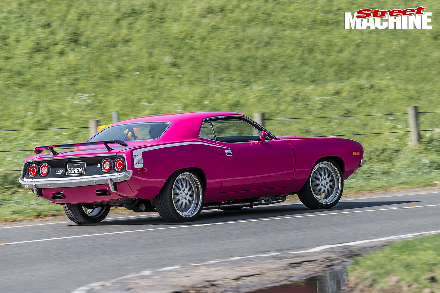 PINK-1972-PLYMOUTH-BARRACUDA-1