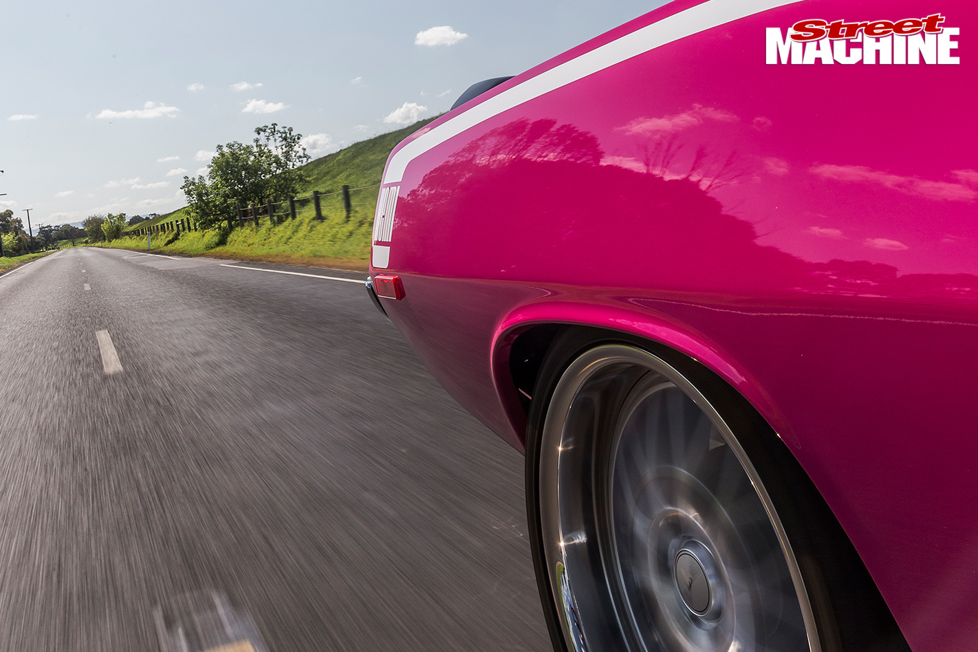 PINK-1972-PLYMOUTH-BARRACUDA-2