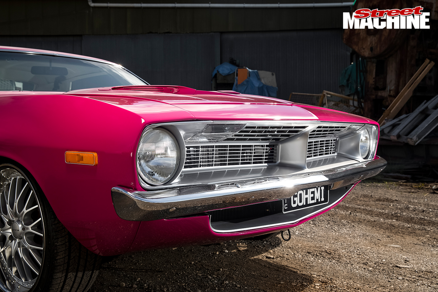 PINK-1972-PLYMOUTH-BARRACUDA-5