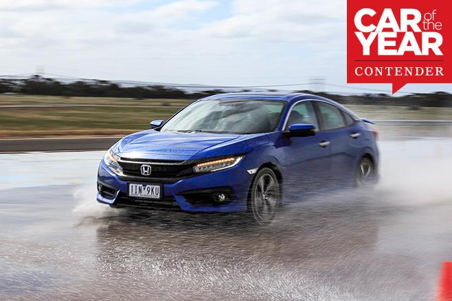 2017-Honda -Civic -driving