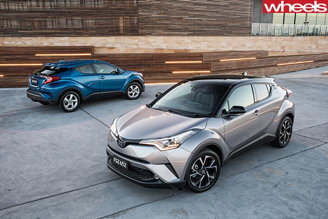 2017-Toyota -C-HR-twocar -static