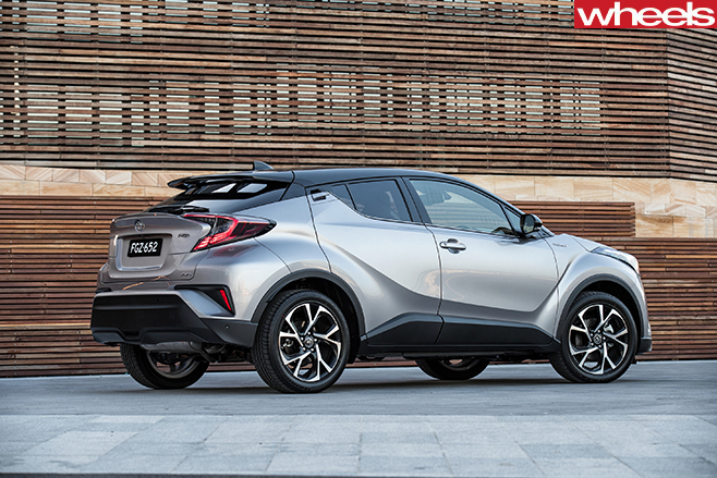 2017-Toyota -C-HR-side -static
