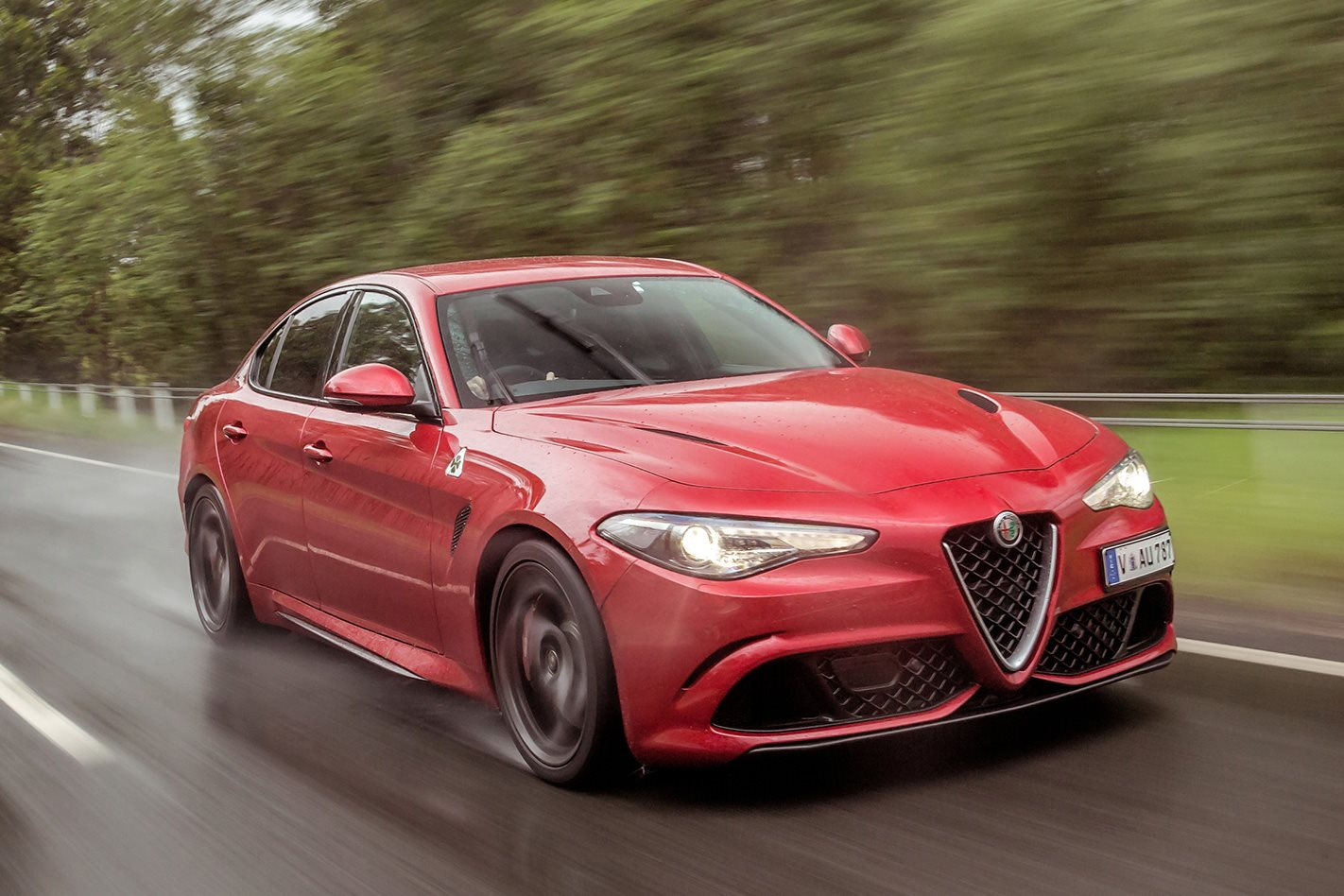 2017 alfa romeo giulia qv review price and specs motor. Black Bedroom Furniture Sets. Home Design Ideas
