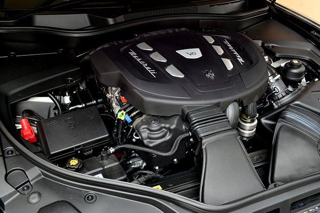 2017 Maserati Levante engine