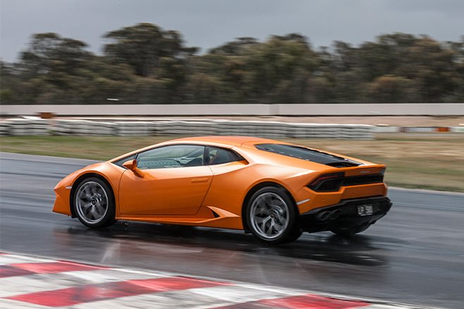 Lambo Huracan LP580-2 rear side