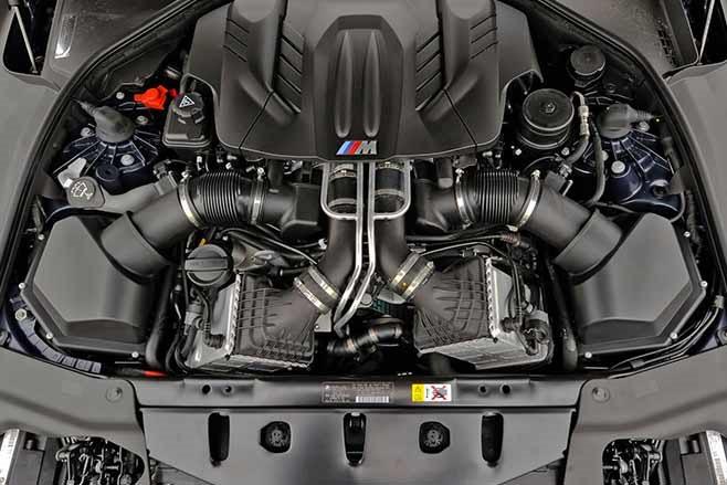 BMW-F10-M5-engine