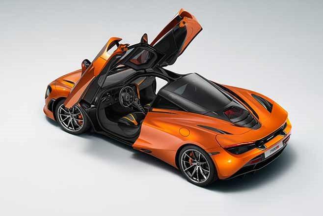 2018-McLaren-720S-revealed-doors