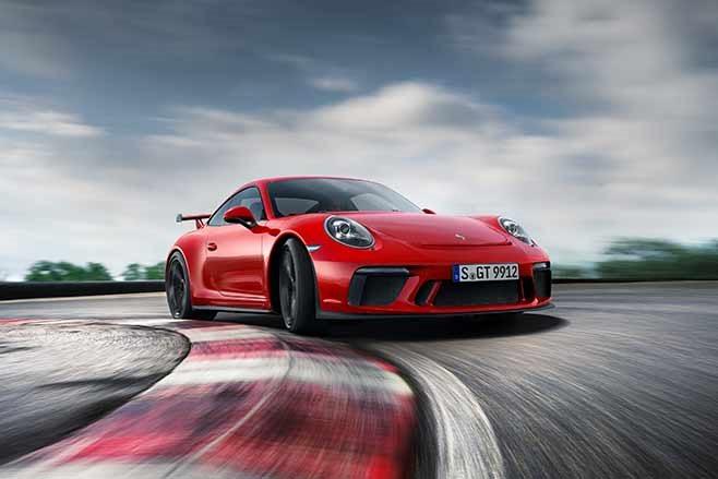 2018-Porsche-991.2-911-GT3-drift